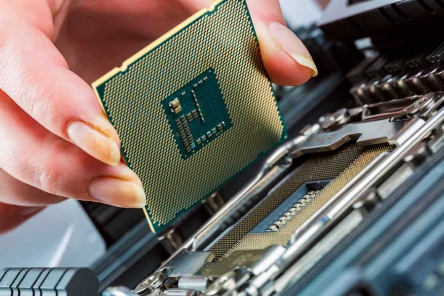What are the benefits of computer repair and maintenance services