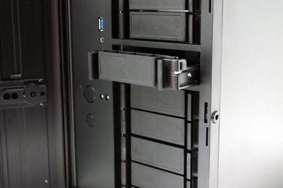 SilverStone-DS380 (5)