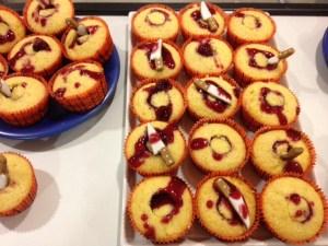 feeling stabby vanilla cupcakes