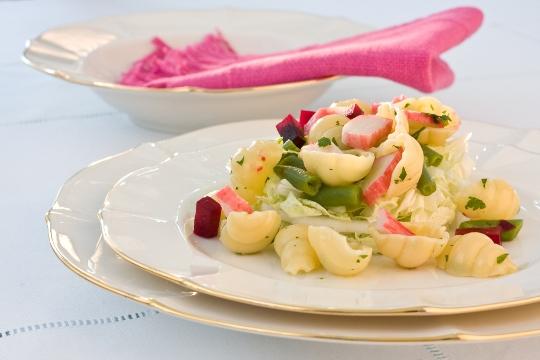Salada-de-Macarrão-com-Kanie-Legumes