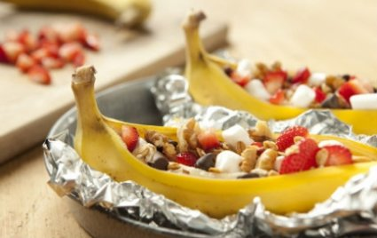 Sobremesa de banana grelhada e recheada a