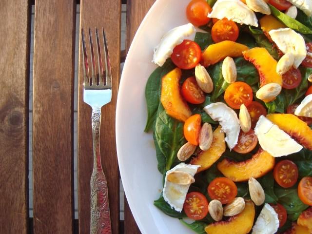 salada de espinafres com pêssego e queijo cabra (15)
