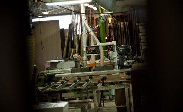 machinerie dans l'atelier d'ébéniste