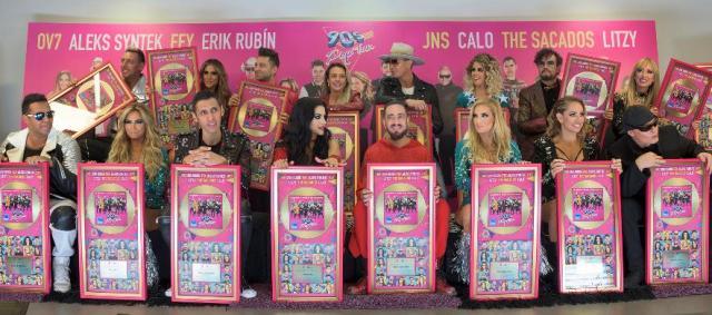 El elenco de 90's Pop Tour recibe disco de oro
