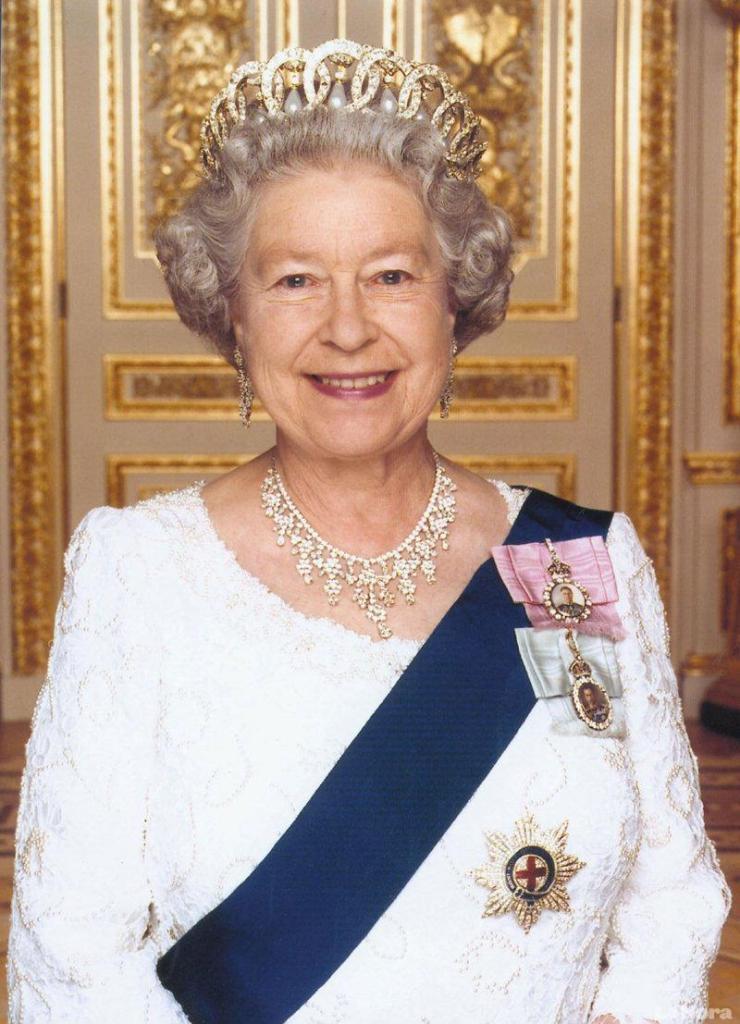 Facebook de la reina isabel ii