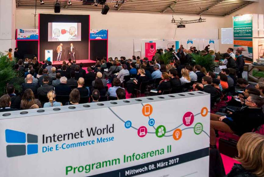 Inforarena auf der Internetworld: hier liefen den ganzen Tag Vorträge rund um das Thema E-Commerce