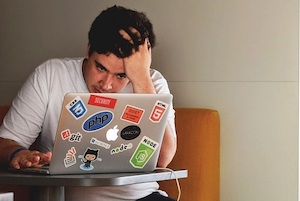 Read more about the article Four tips to avoid people being fed up with your online meetings