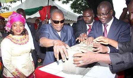 Le Président Alpha Condé lance les travaux d'un complexe hôtelier