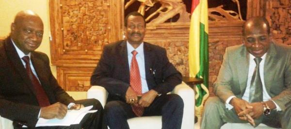 M. Cheick Taliby SYLLA, Ministre de l'Energie et de l'Hydraulique de Guinée ; M. Mansour Faye, Ministre de l'Hydraulique et de l'Assainissement du Sénégal.