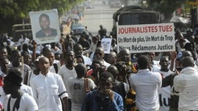 Des journalistes guinéens manifestent le 8 février 2016 à Conakry après la mort d'un de leur confrère, trois jours plus tôt | AFP/Archives | CELLOU BINANI