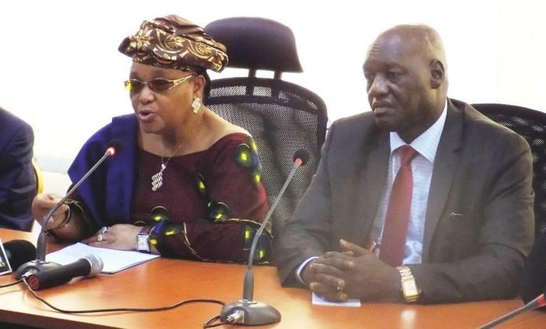 Conseil Economique et Social Hadja Rabiatou Serah Diallo, et le Ministre de la Fonction Publique, de la Réforme de l'Etat et de la Modernisation de l'Administration, M. Sékou Kourouma.