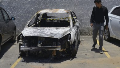 Le corps de l'ambassadeur a été retrouvé dans cette voiture carbonisée. - Fabio Teixeira - AFP