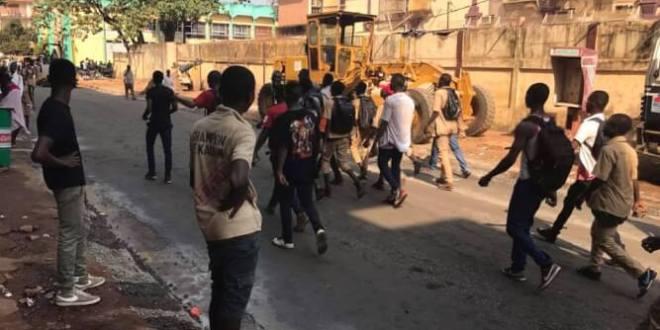 Manifestation d'élèves à conakry kaloum