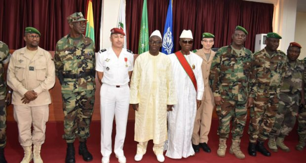 DécorationPour services rendus à la Nation, le président Alpha Condé décore trois coopérants militaires français !