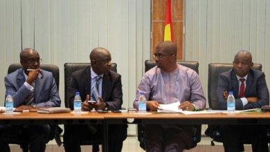 La réunion de cabinet élargie aux chefs de divisions et de sections seniors du Ministère des Mines et de la Géologie