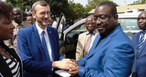 Election Guinée : L'Union européenne offre 14 véhicules et 343 ordinateurs à la CENI