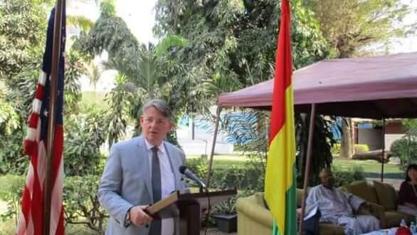 L'Ambassadeur Dennis Hankins