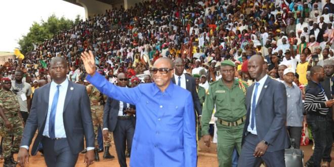 Le Président Alpha Condé au stade de Labé