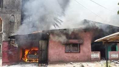 CONAKRY   WANINDARA 3 La maison du chef de quartier en feu!