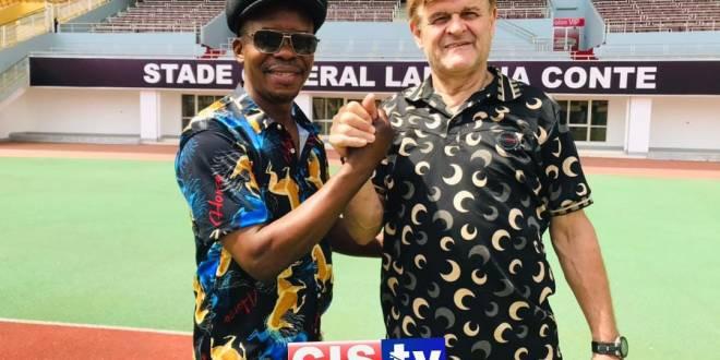 Didier Six et le père de llaix Moriba du Barça