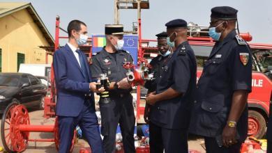 L'Union européenne et la France remettent un important lot de matériel aux services de Protection civile