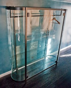 glass-wardrobe-03