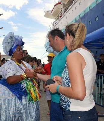 Receptivo chegada (10.2) do navio Sovereign -Porto de Salvador. Foto Rita Barreto - Bahiatursa