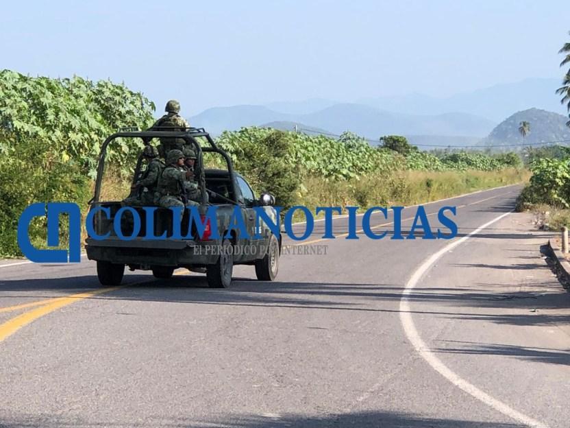 Se enfrentan policías estatales y sujetos armados en Tecomán 2 - Persecución en Tecomán termina con 4 detenidos y 17 armas decomisadas - #Noticias
