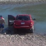 camioneta en la boquita - Se metió a bañar en el auto en playa de La Boquita - #Noticias