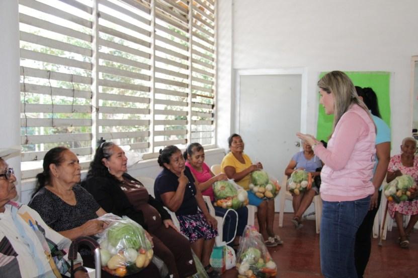 Fortalecen alimentación de población vulnerable de Suchitlán - Fortalecen alimentación de población vulnerable de Suchitlán: DIF Estatal