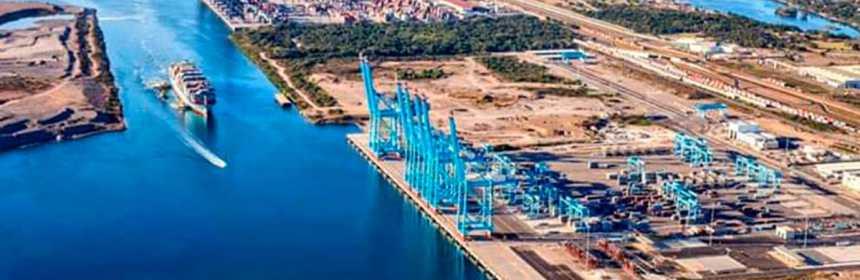 buques carga puerto 01 - Buques de carga comercial continúan llegando a puertos mexicanos: Coordinación