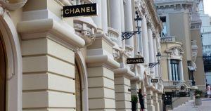 chanel crop1585546860668.jpg 673822677 - Chanel convierte sus talleres en creadores de cubre bocas