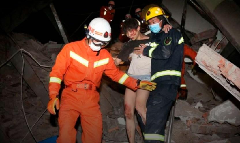 derrumbe en china - Colapsa edificio en China que era usado como centro de cuarentena por coronavirus - #Noticias