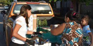 bed12622 b274 43ab 97e3 b83ef520fc53 660x330 - Karina Heredia Entrega Víveres en Colonias Real de Minas y Solidaridad – Archivo Digital Colima