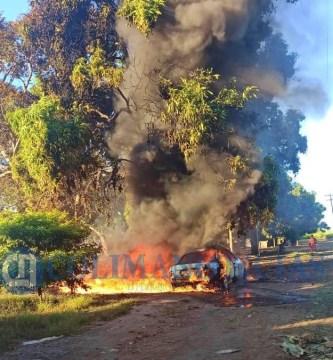 incendio en cofradia de morelos - Quema de basura se sale de control y las llamas alcanzan un vehículo, en un rancho de Cofradía de Morelos