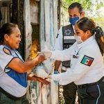 polciacolimabp - Policía Municipal de Colima y PANNAR, entregan apoyos alimentarios a familias vulnerables