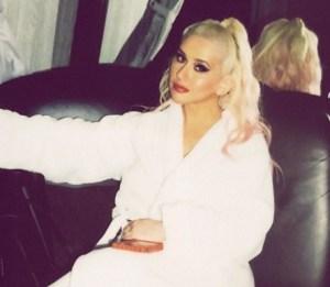 christina.jpgfit443385 - ¡Cuánta sensualidad! Mira las nuevas fotos de Christina Aguilera
