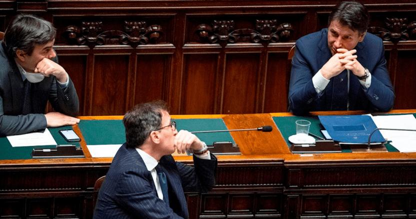 """pasaportes sanitarios - Ministro de Italia rechaza propuesta de """"pasaporte sanitario"""" para viajes de verano en la pandemia"""