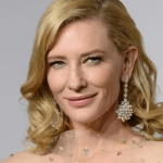 captura de pantalla 2020 05 06 a las 11 47 15 - Cate Blanchett sufre accidente con una motosierra que le golpeó la cabeza durante la cuarentena