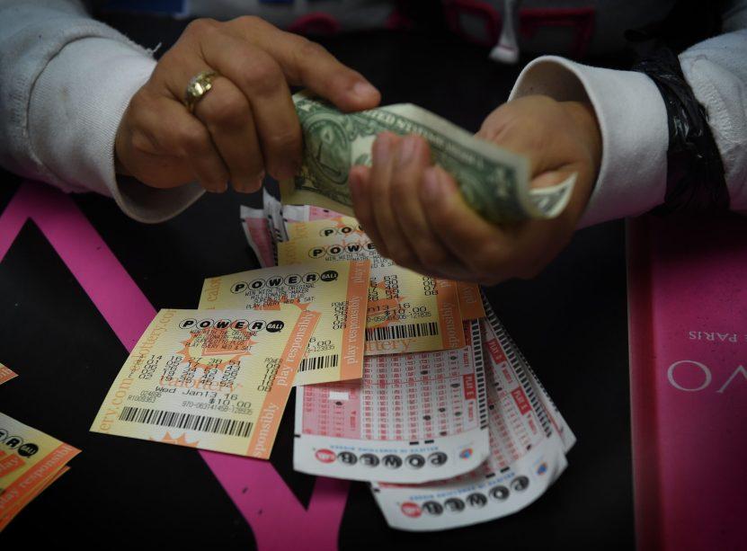 gettyimages 504837140.jpgquality80stripall scaled - Una tienda en Maryland vendió 24 boletos ganadores de un solo sorteo de la lotería