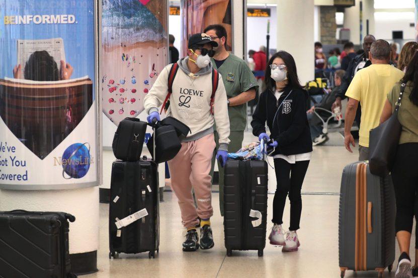 GettyImages 1212597625 scaled - Más de 50 empleados del aeropuerto de Miami tienen coronavirus: la mayoría están en los controles de seguridad