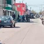 celaya - Una casa es atacada a balazos e incendiada con un artefacto explosivo en Guanajuato; hay un muerto