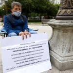 huelga hambre vecinos  - Se aburrió de sus vecinos y partió a la alcaldía para hacer una huelga de hambre. No puede dormir