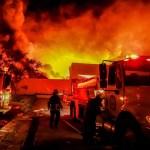 incendio morelos zona industrial - Se incendia una fábrica de cosméticos en zona industrial de Morelos; no hay heridos