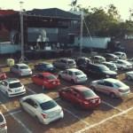 """misa cuernavaca auto covid19 - Como en un autocinema, la Diócesis de Cuernavaca celebra misa """"desde el auto"""""""