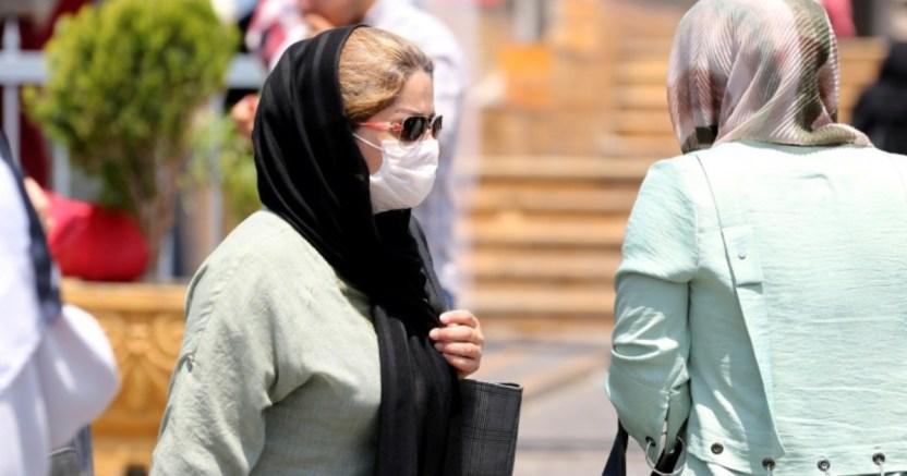 mujer de california tose a cantinero en la carax no quiso usar mascarilla .jpg 673822677 - Mujer de California tose a cantinero en la cara; no quiso usar mascarilla
