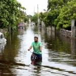 """tormenta 2 - La tormenta tropical """"Hanna"""" ganará fuerza y se dirige a Texas; """"Gonzalo"""" va hacia el Caribe"""