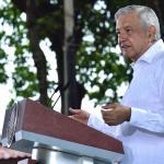 """amlo netflix - Ante el caso García Luna, las narcoseries de Netflix """"son fresas"""": López Obrador"""