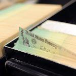 gettyimages 119316653 3 scaled - Las razones por las que no habrá pronto un nuevo cheque de estímulo de $1,200