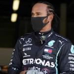 lewis hamilton logra la pole en el gran premio de gran bretaxa de f1 crop1596297152500.jpg 673822677 - Lewis Hamilton logra la pole en el Gran Premio de Gran Bretaña de Fórmula 1